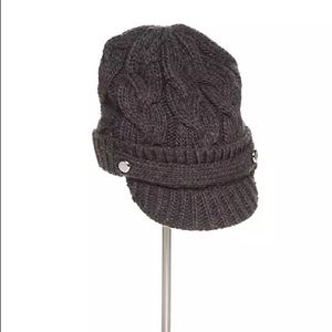 🆕 MICHAEL KORS cable knit peak cap